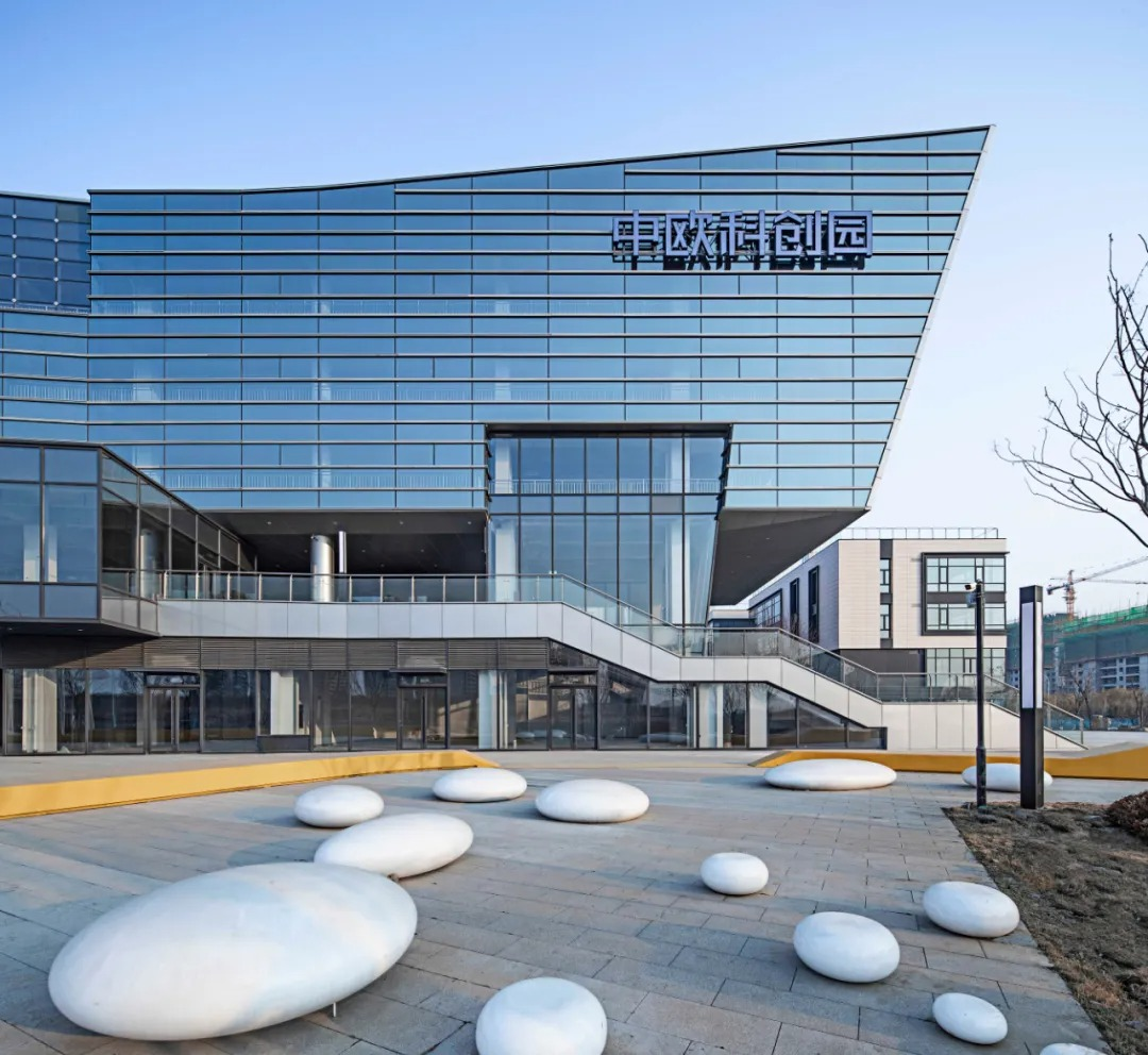 金茂青岛中欧科创园 建筑设计 /  三磊设计