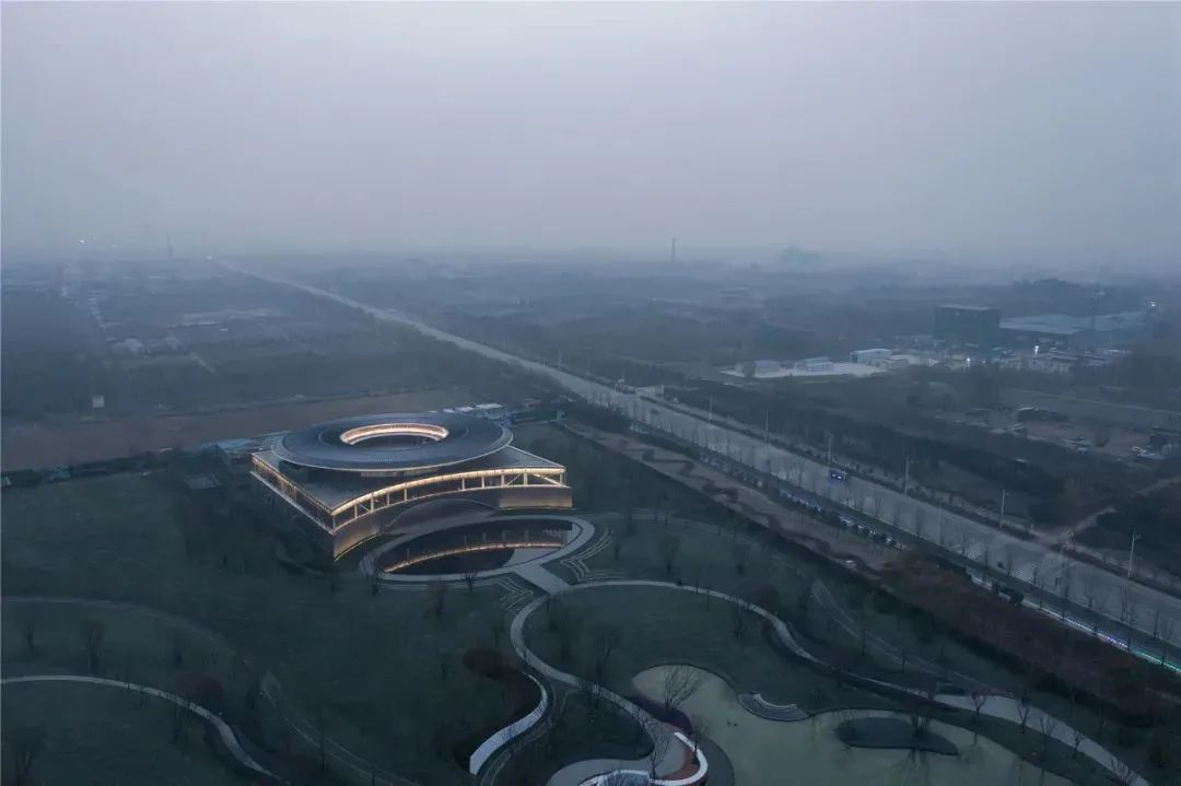 郑州 建业·蓝海郑风酒店综合体 建筑设计 /  日清设计