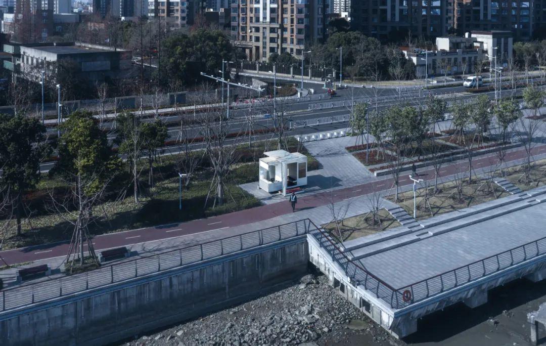 西岸智能旋转岗亭  建筑设计 / NAN建筑事务所