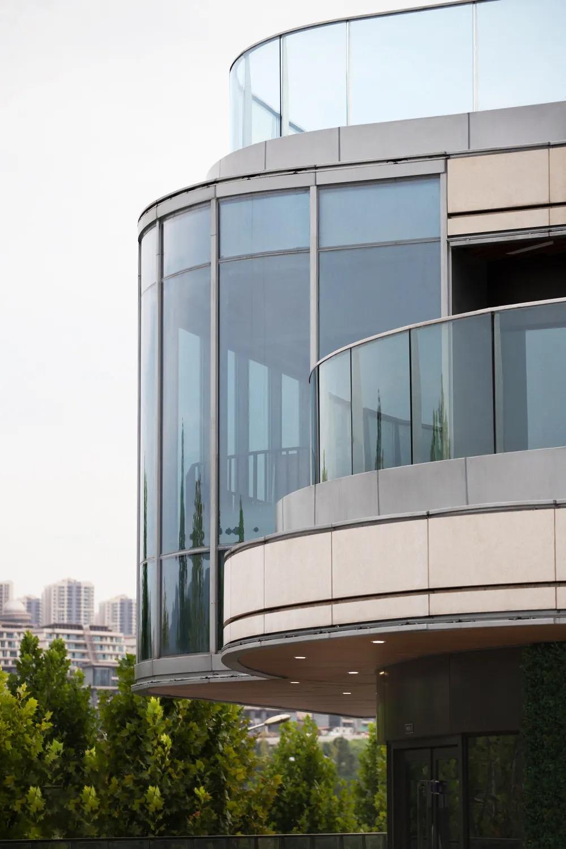 重庆金融街·嘉粼融府社区售楼部 建筑设计 /  重庆天华