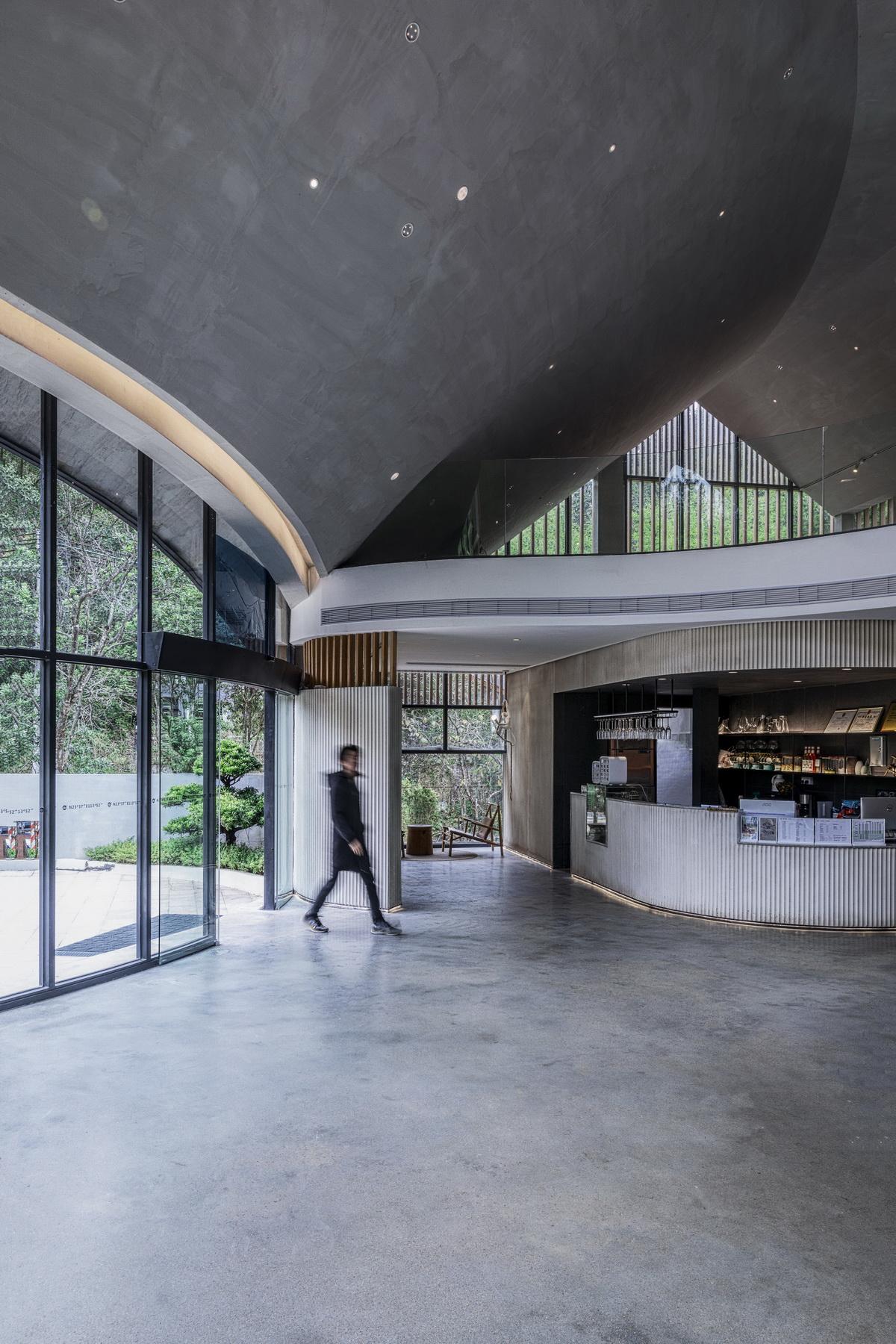 南昆秘境艺术餐厅 建筑设计 / 城外建筑